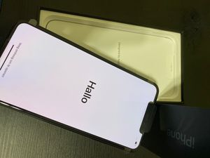 iphone 11 pro max 64 GB for Sale in Washington, DC