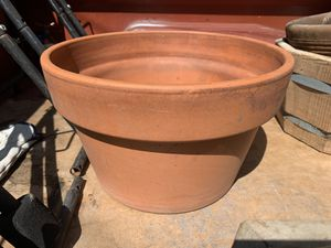Flower Pot 15 inches for Sale in Long Beach, CA