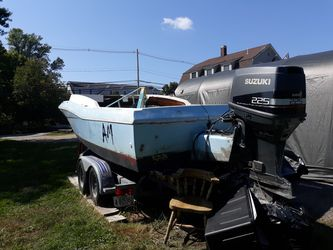 1987 Larson DC International Series cc with small cuddy for Sale in Ipswich,  MA