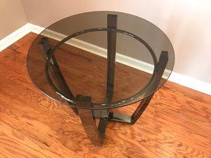 End table for Sale in Jersey City, NJ