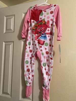 New. Trolls footed pijamas. Size 12- 4t -5t for Sale in Los Angeles, CA