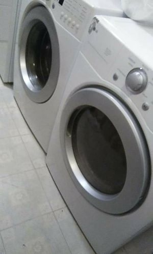 LG front open doors washer machine and dryer for Sale in Phoenix, AZ