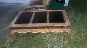 Free coffee and side table for Sale in Hudson, FL