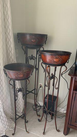 Estantes de decoración,el que sabe de esta decoración saben él valor for Sale in Kissimmee, FL