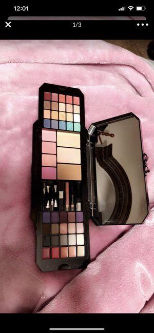 Victoria secret makeup for Sale in Fresno, CA