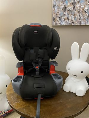 Britax grow with you harness booster car seat for Sale in Bolingbrook, IL