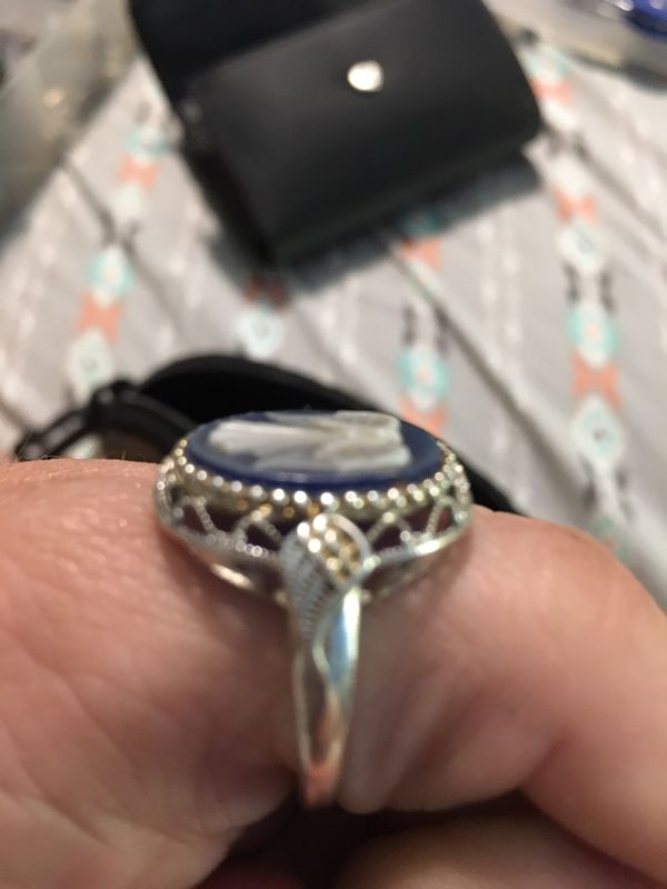 Angel cameo ring paid 59.99 get it now for $30