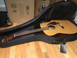 Fender DG-7 Acoustic Guitar with Gig Bag for Sale in Chicago, IL