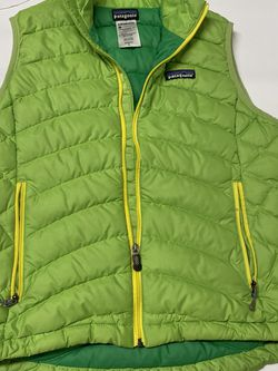 Womens Patagonia Brand Goose Down Puffer Vest Size Small EUC- Green for Sale in Chula Vista,  CA