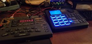 Akai Drum machine and zoom sampler for Sale in Tracy, CA