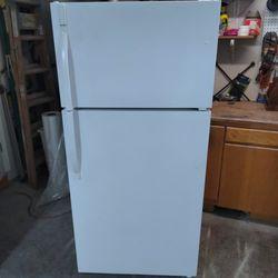 Kenmore Refrigerator for Sale in Gresham,  OR