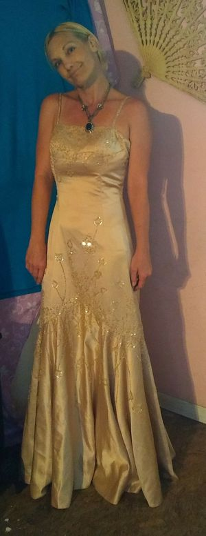 Lenovia Gold Mermaid Dress. Size small. for Sale in Killeen, TX