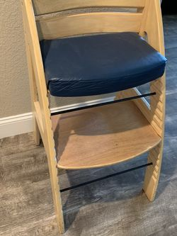 High Chair for Sale in Gilroy,  CA