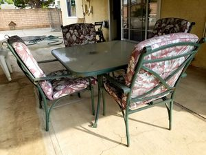Patio set for Sale in Covina, CA
