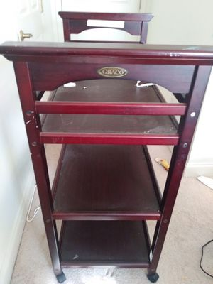 Graco Baby Diaper changing table for Sale in Cuyahoga Falls, OH
