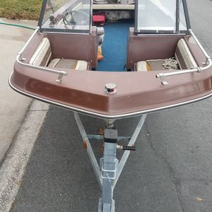 79 Trihull Boat for Sale in Clermont, FL