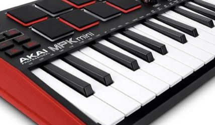Akai Professional MPK Mini MK3 Keyboard Controller for Sale in Phoenix,  AZ