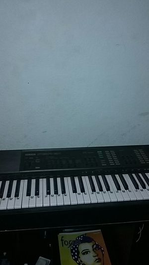 Yamaha electric & plug in piano keyboard for Sale in Selma, CA