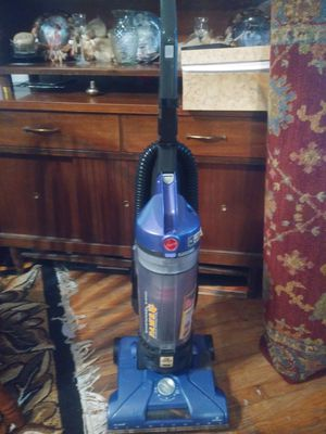 VACUUM ( HOOVER) for Sale in St. Louis, MO