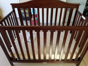Baby crib with mattress for Sale in Mobile, AZ