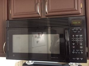 Black GE Over The Oven Microwave for Sale in Las Vegas, NV