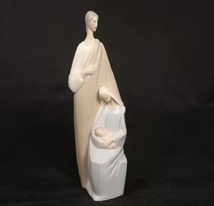 LLADRO FIGURINE HOLY FAMILY NATIVITY #4585 JOSEPH MARY INFANT JESUS PORCELAIN for Sale in Covina, CA