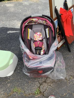 Graco Infant Car Seat for Sale in Rochester, NY