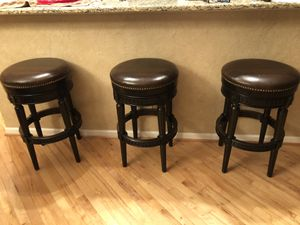 29 inch bar stools from frontgate!! Great quality 3 for 400.00 for Sale in Malvern, PA