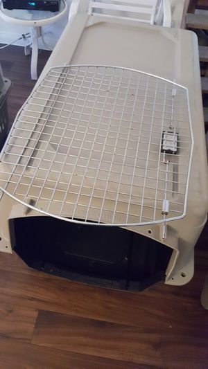 Large large dog kennel 15.00 for Sale in Las Vegas, NV