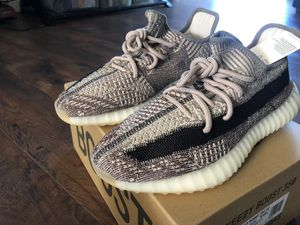 Yeezy Boost 350 V2 Zyon for Sale in Lynwood, CA