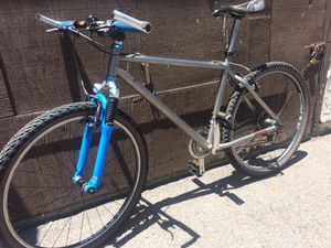 Bike Mountain DEAN, hand crafted titanium ( group Shimano XTR) for Sale in Garden Grove, CA