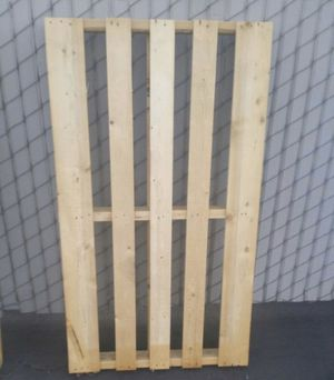 Number one pallets only used once no grease no dirt very clean for Sale in Upland, CA