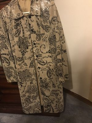 Ladies leather coat. Size 10 for Sale in Spring Hill, FL