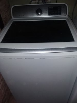 Samsung blue tooth washer and dryer only 1 year few months old for Sale in Chicago, IL