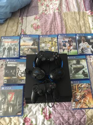 Ps4 w/ games for Sale in Oak Point, TX