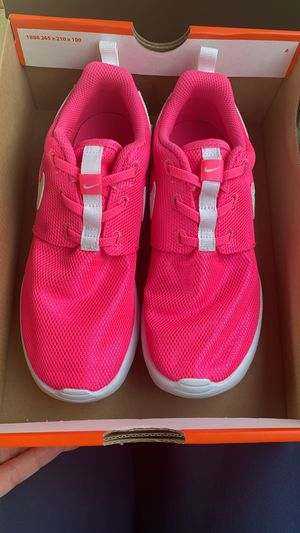 NEW Nike tennis shoes for girl - Size 3 for Sale in Murfreesboro, TN