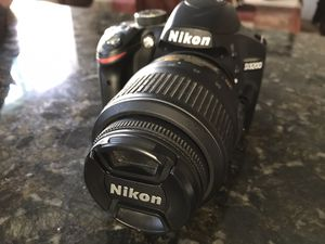 Nikon D3200 24.2MP DSLR Camera with 18-55 mm lens for Sale in Anaheim, CA