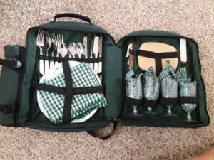Picnic at Ascot backpack picnic set for four. $30. for Sale in Phoenix, AZ