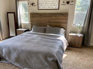 Custom made King Size Bedroom Set for Sale in Monroe, WA