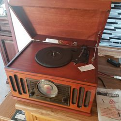 Detrola Record Player. With Cassette And Radio for Sale in East Wenatchee,  WA