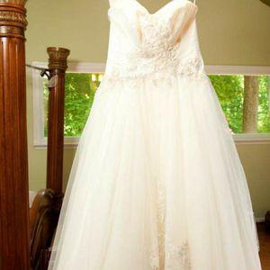 New wedding dress for Sale in Laurel, MD