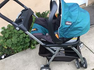 Chico car seat and adapter for Sale in El Monte, CA