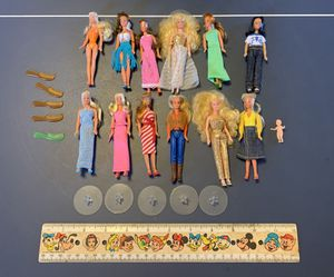 12 Vintage Glamour Gals doll lot Kenner CPG 1981, mini Barbie doll lot for Sale in Villa Park, IL