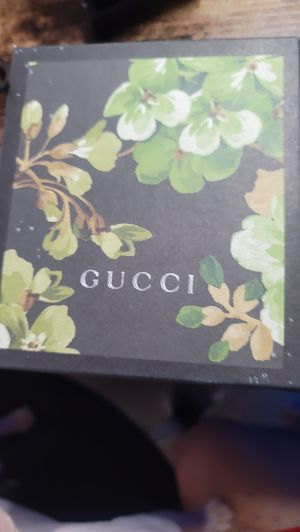 GUCCI men's wallet for Sale in Chicago, IL