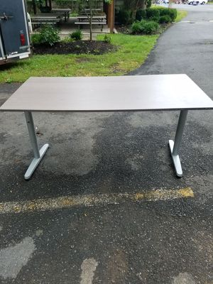 Table for Sale in University Park, MD