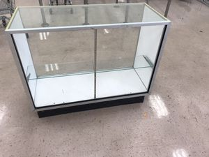 Display case For store for Sale in Glen Mills, PA