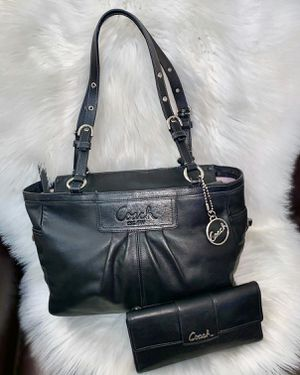 Authentic Black Leather Coach Purse and Wallet for Sale in Chandler, AZ