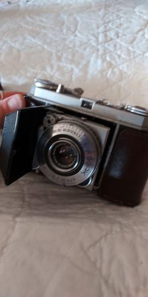 Kodak Retina Ia Vintage Camera w/ attachment in leather cases for Sale in Marthasville, MO