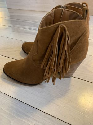 Steve Madden fringe tassel boots/size 7.5 for Sale in Moon, PA