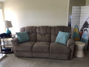 La-Z-Boy Recliner Sofa MUST PICKUP BY SATURDAY for Sale in Laguna Niguel, CA